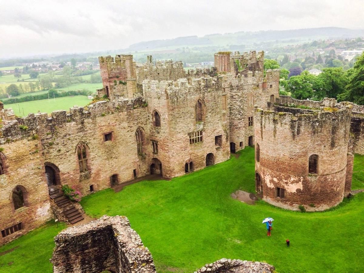 Ludlow_Castle_AdobeStock_65547698.jpeg