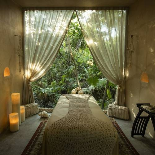 Palmaïa-House-of-AïA-massage-table-mexico.jpg