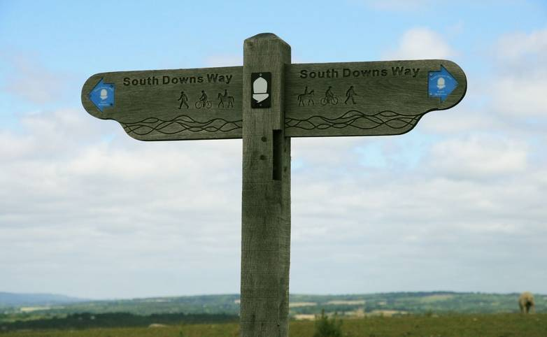 South_Downs_Way_Signpost.JPG