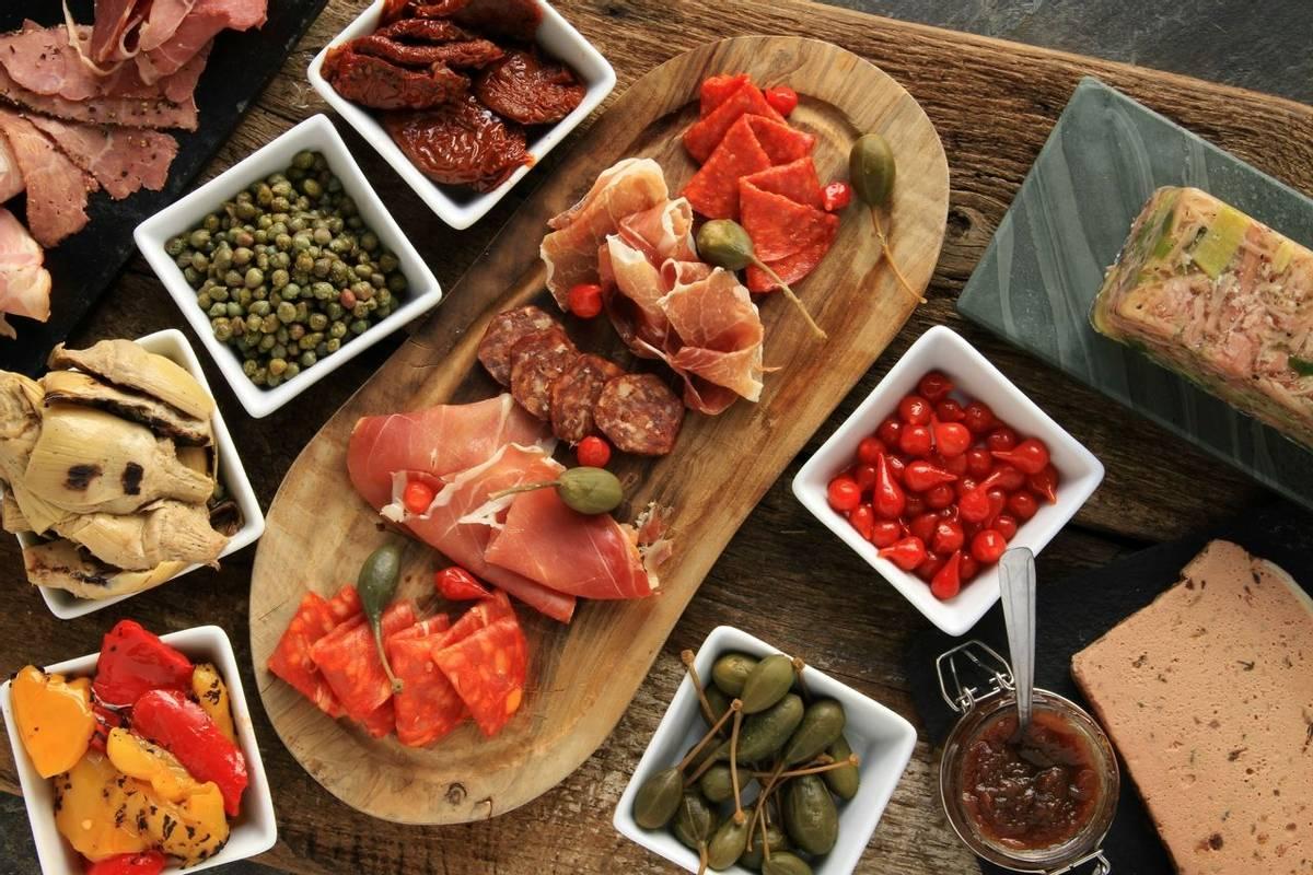 Italy - Cinque Terre - Cooking & Walking - AdobeStock_68091088.jpeg