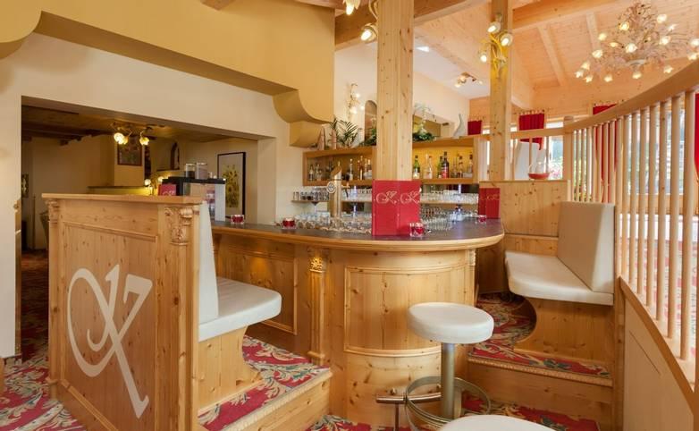 Austria - Weidach - Seefeld Plateau - Hotel Kristall - Bar.JPG