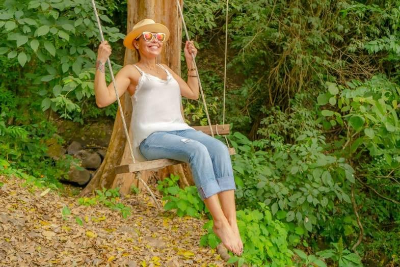 the-retreat-costa-rica-Nature-Hike -wing.jpg