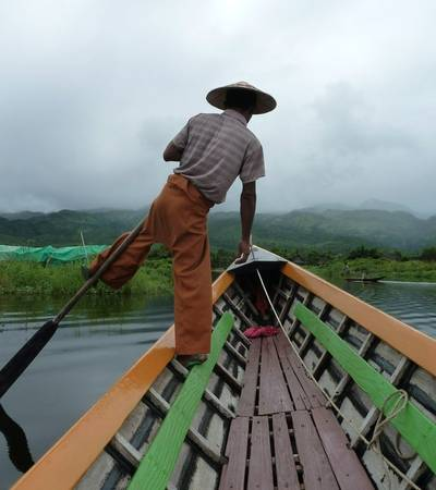 Leg rowing on Inle Lake