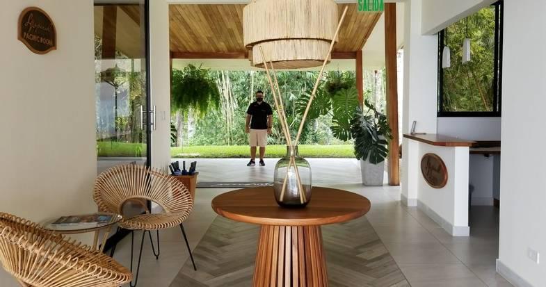 lapazul-retreat-welcome-lobby.jpg