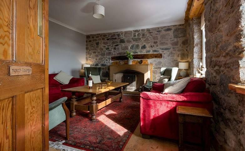 Lounge Argyll Iona frmo hotel's website.jpg