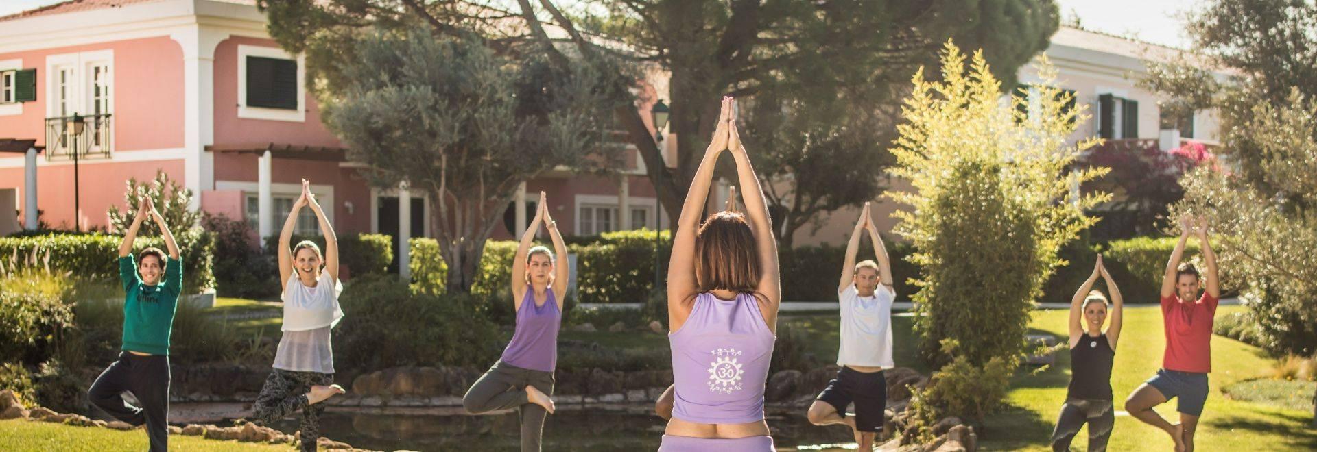 Longevity Cegonha Yoga Class