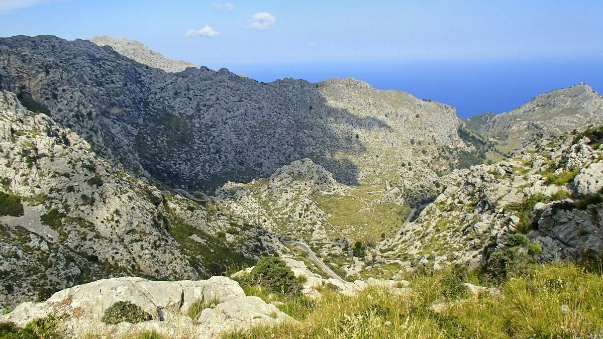 View over the wonderful hiking area in the Tramuntana mountains in Mallorca