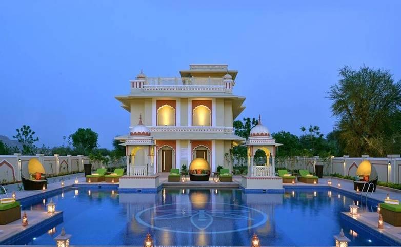 Rajasthan - Indana Palace, Jaipur - Pool side.jpg