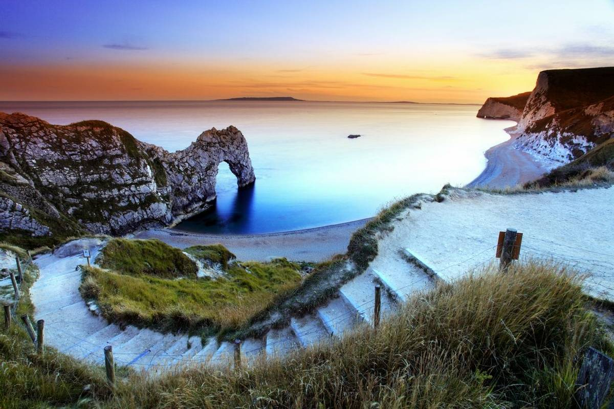 Lulworth - Dorset Coast - AdobeStock_127016888.jpeg
