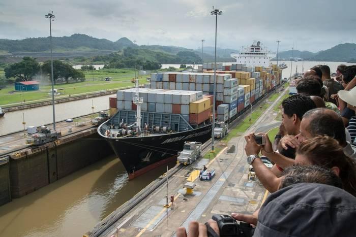 Panama Canal lock (Ian Talboys)