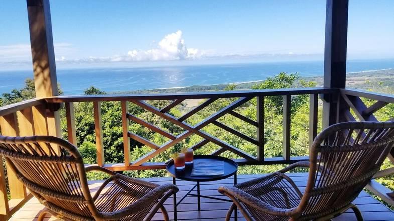 lapazul-retreat-balcony-view-4.jpg
