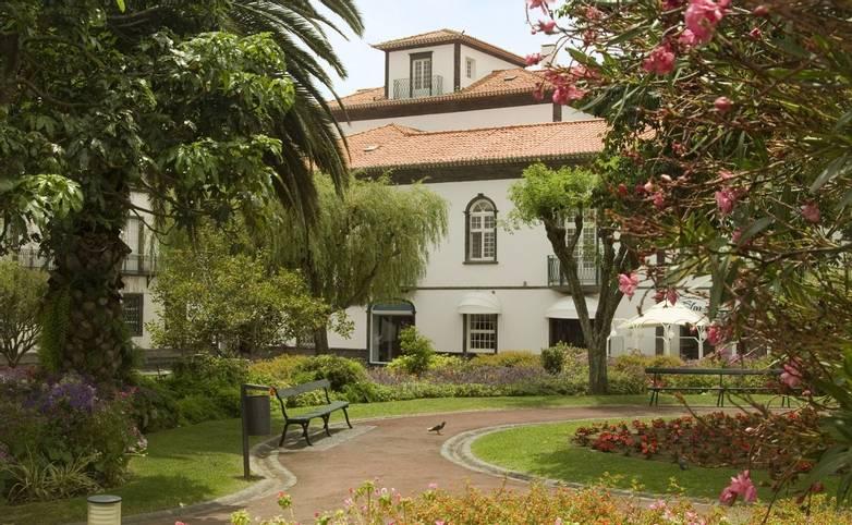 Portugal - Azores - Hotel Talisman - Hotel Talisman jardim.jpg