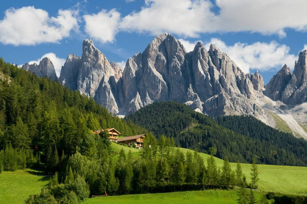 Peaks, Odle Geisler Group, South Tyrol, Italy (Santi Rodriguez)
