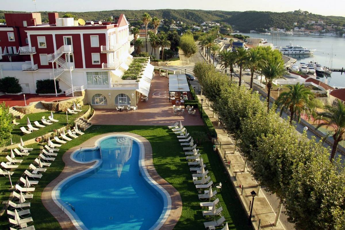 Spain - Menorca - Hotel Port Mahon - piscina.JPG