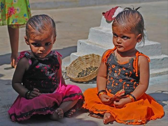 Rural Indian children (Thomas Mills)