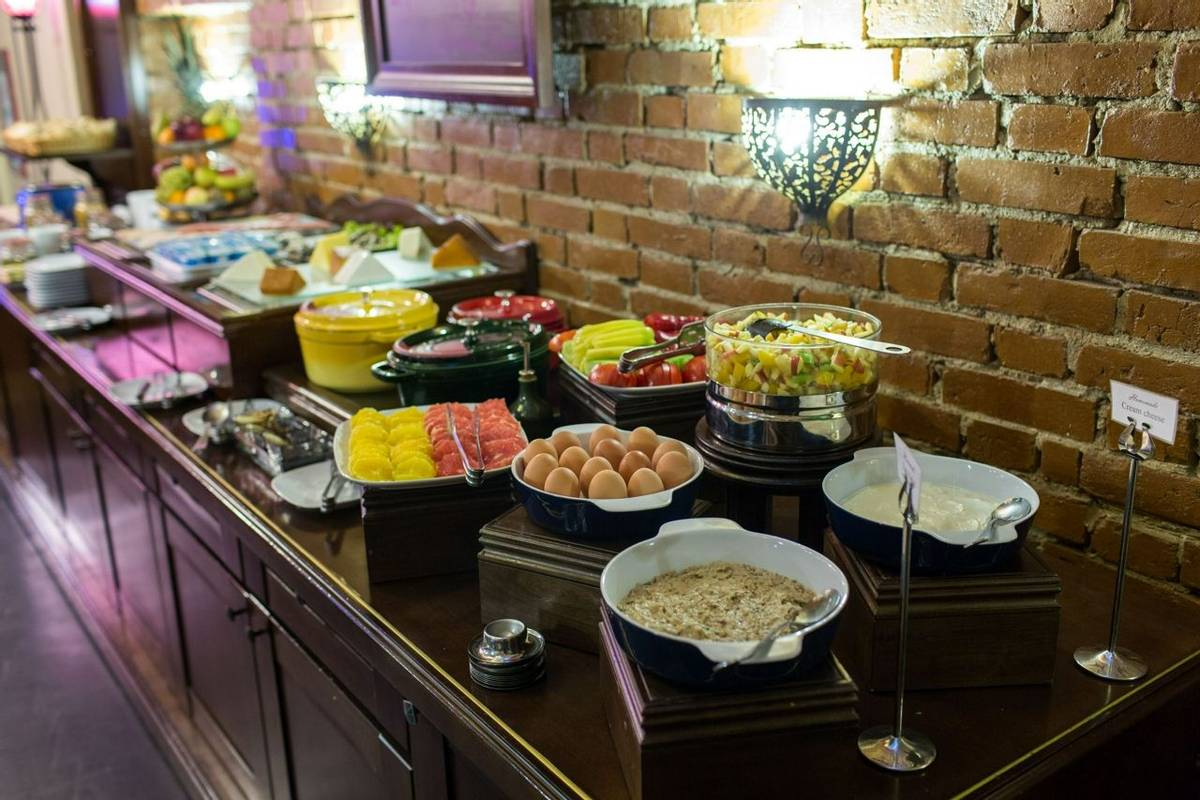 Romania - Hotel Moxa - Full Buffet Breakfast - Agent Photo.jpg