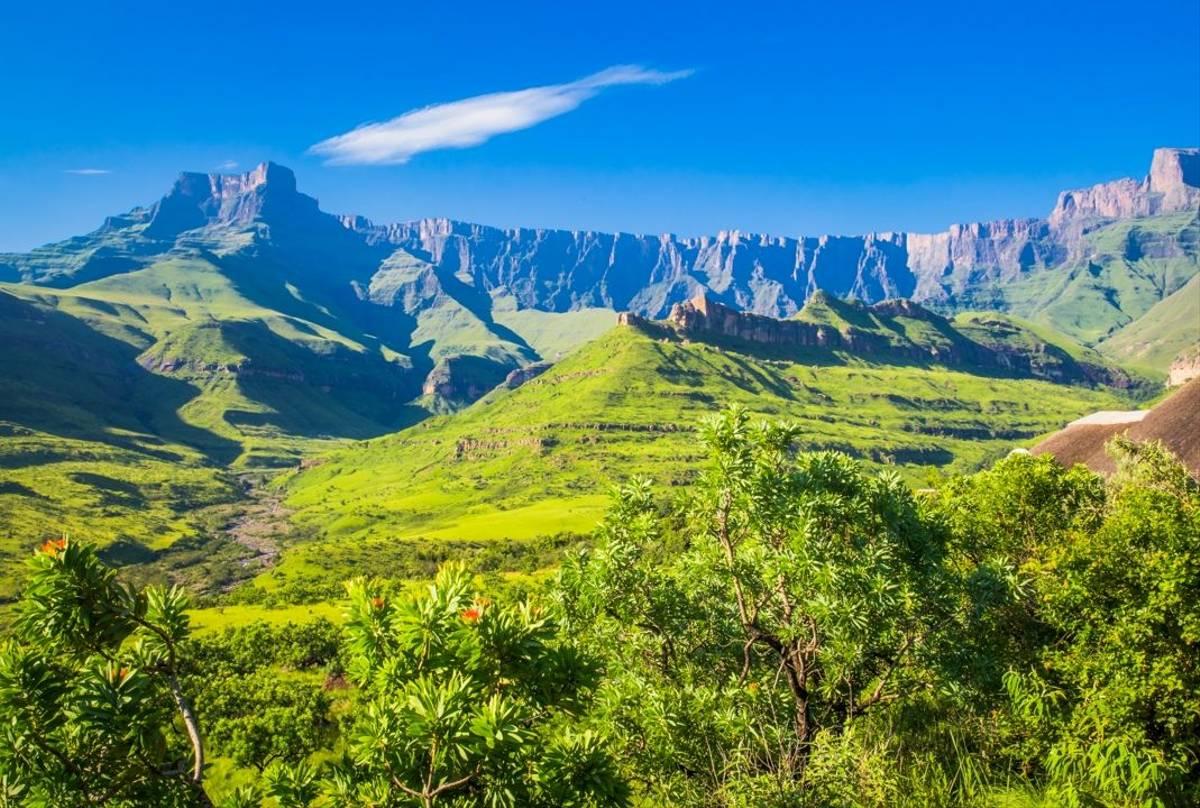 Drakensberg Page Shutterstock 297981482