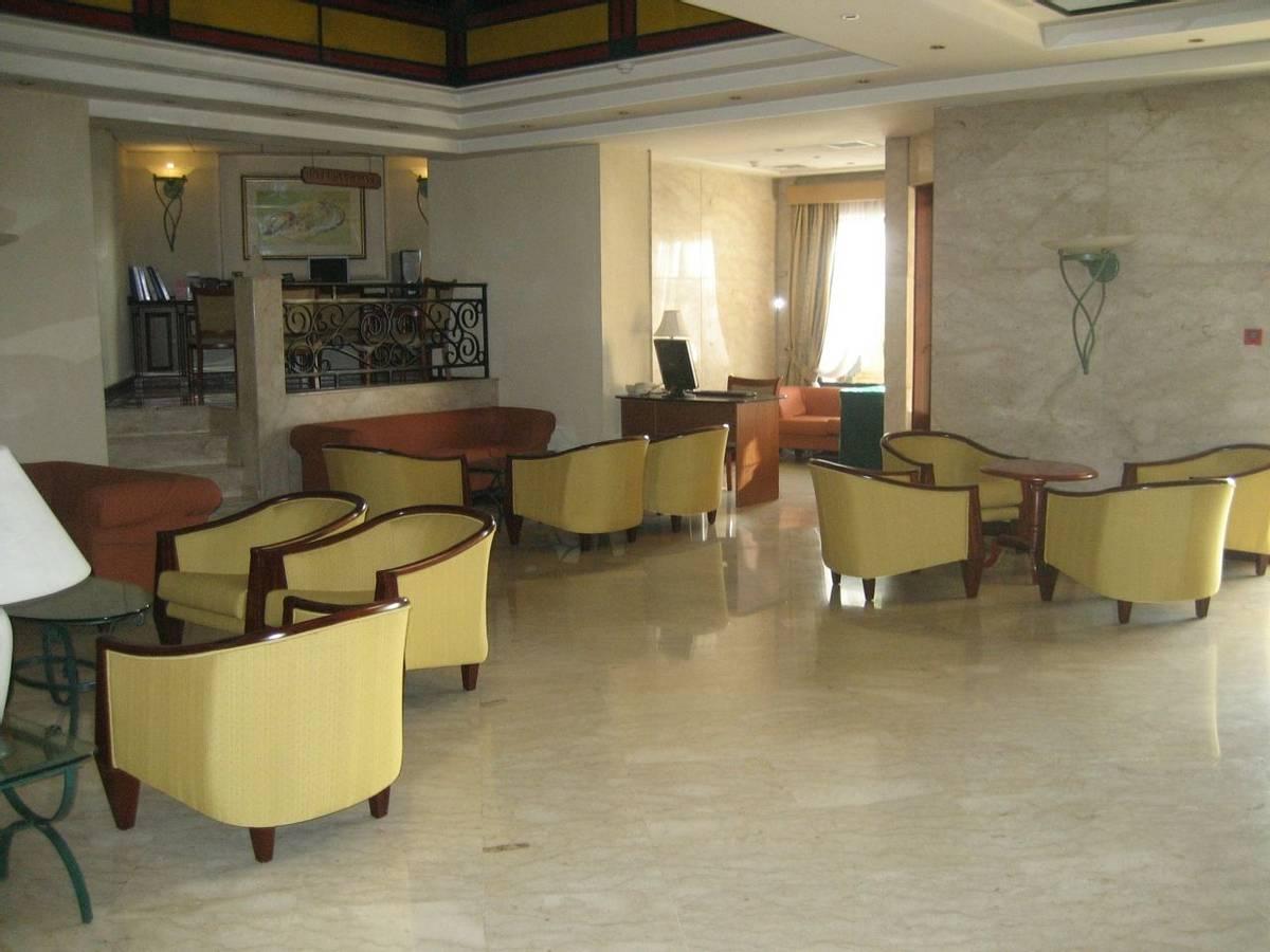 Gozo - Grand Hotel - Grand Seated receprion.jpg
