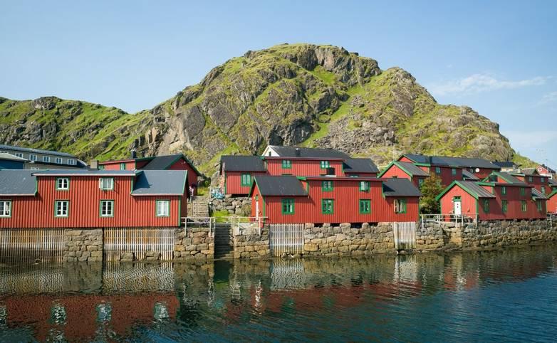Norway - Lofoten Islands - SAdobeStock_216157829.jpeg