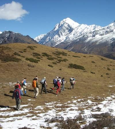 Walking above Dzongri camp
