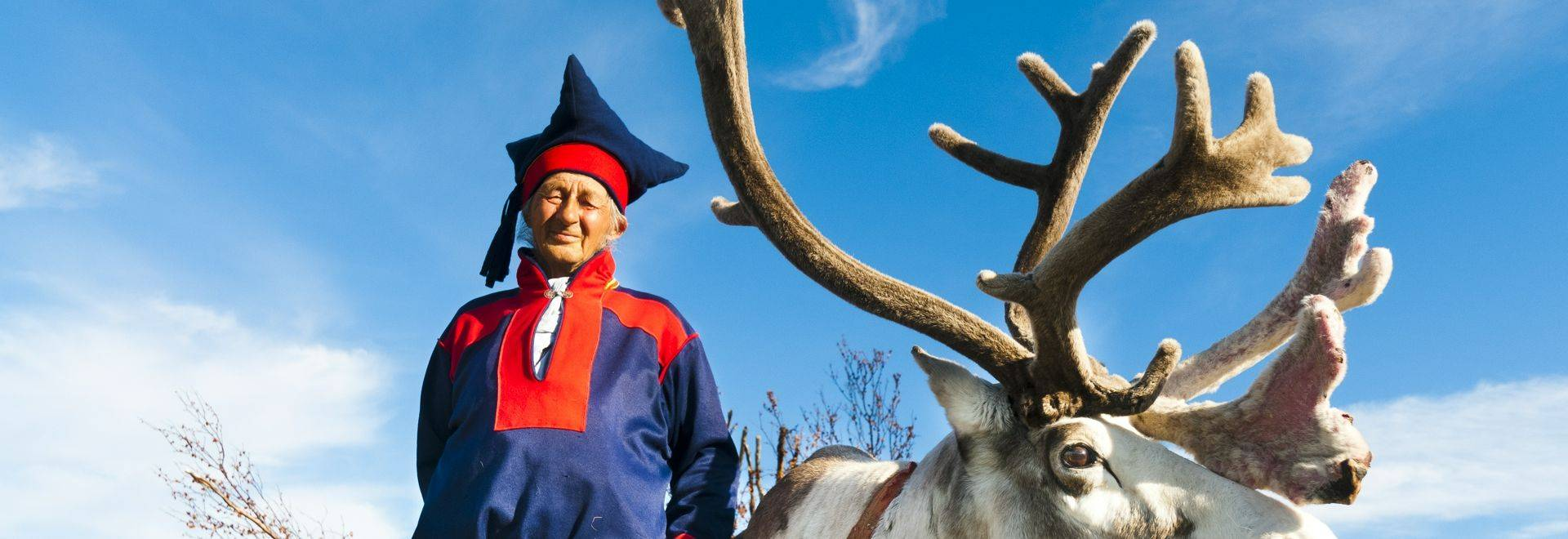 Sami-and-his-reindeer-in-North-Cape-2011-08-21.jpg-HGR-77526.JPG