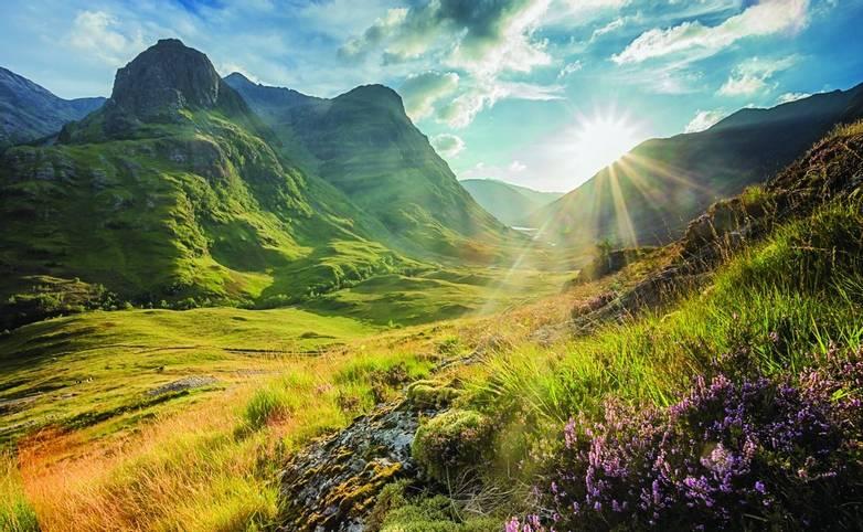 Glen Coe - mountains Lochaber - AdobeStock_214473195.jpg