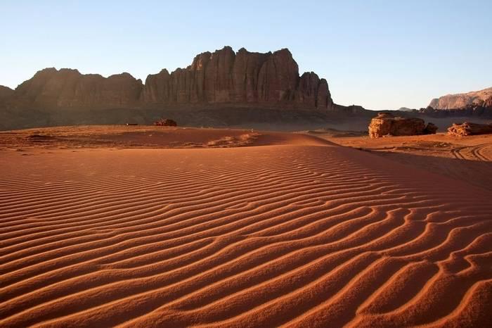 Wadi Rum shutterstock_91522937.jpg
