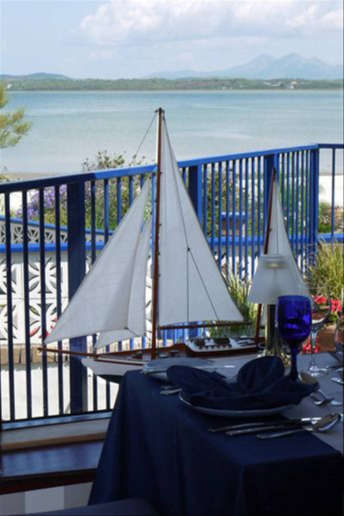 Harbour Inn Hotel, table view