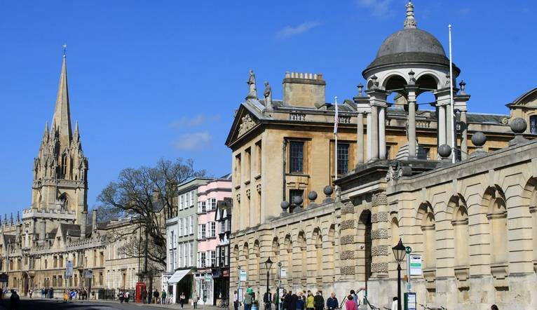 Dreamstime M 30622397 Enjoy Historical Oxford   Main