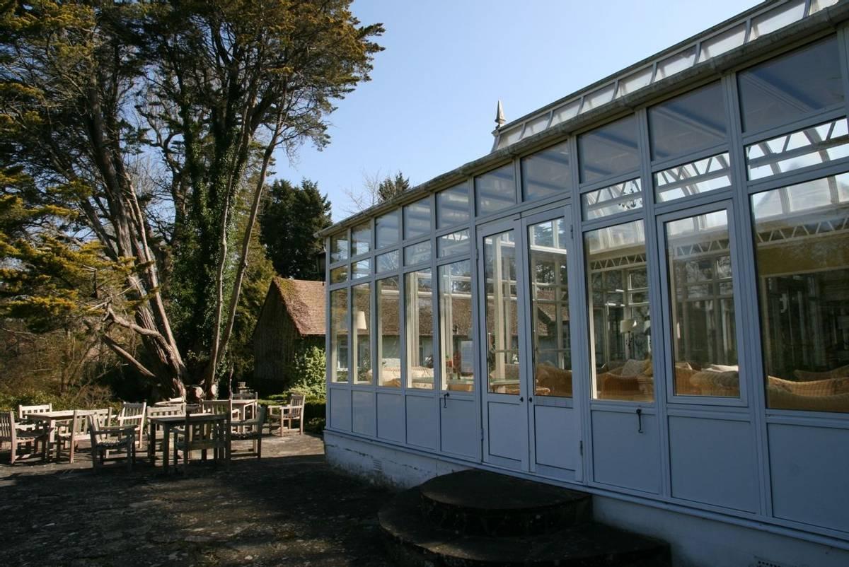 Abingworth_Hall_Conservatory.JPG