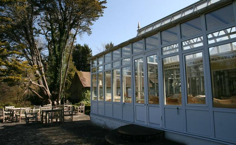 Abingworth_Hall_Conservatory.JPG