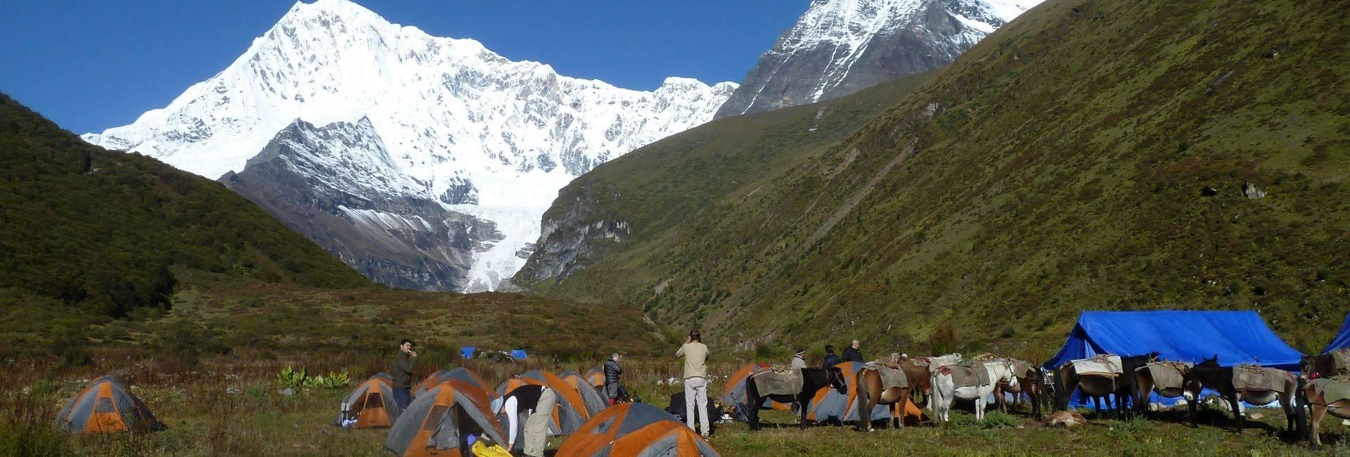 Laya Gasa trek or Half Snowman in Bhutan