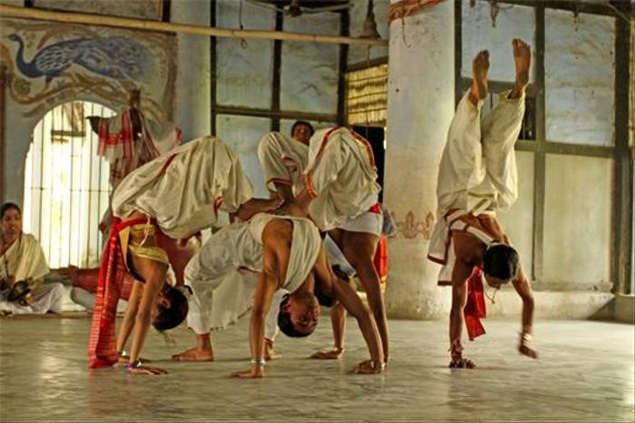 A storytelling dance performance by young Hindu Monks (Bret Charman)