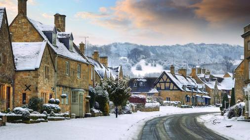 6-Night Cotswolds Christmas & New Year Guided Walking Holiday