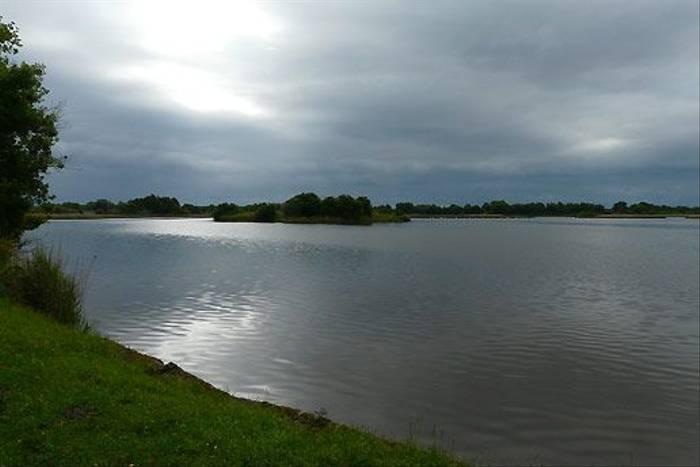 Lake in La Brenne (Tom McJannet)