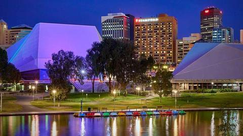 The Stamford Plaza Adelaide Gallery Image 2
