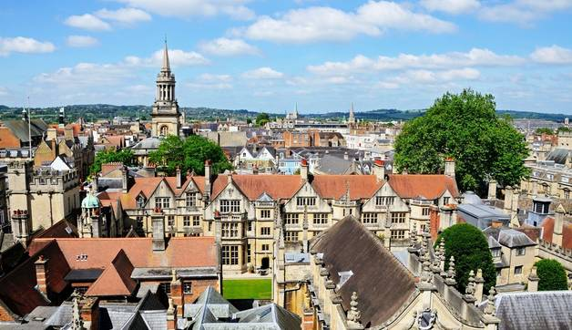 Shutterstock 209119309  View Over The City Of Oxford