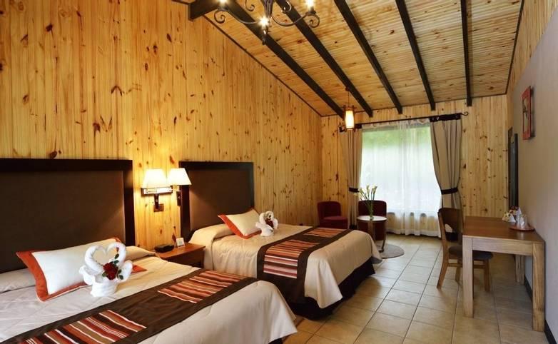 Costa Rica - Savegre Mountain Hotel - Twin room 2.jpg