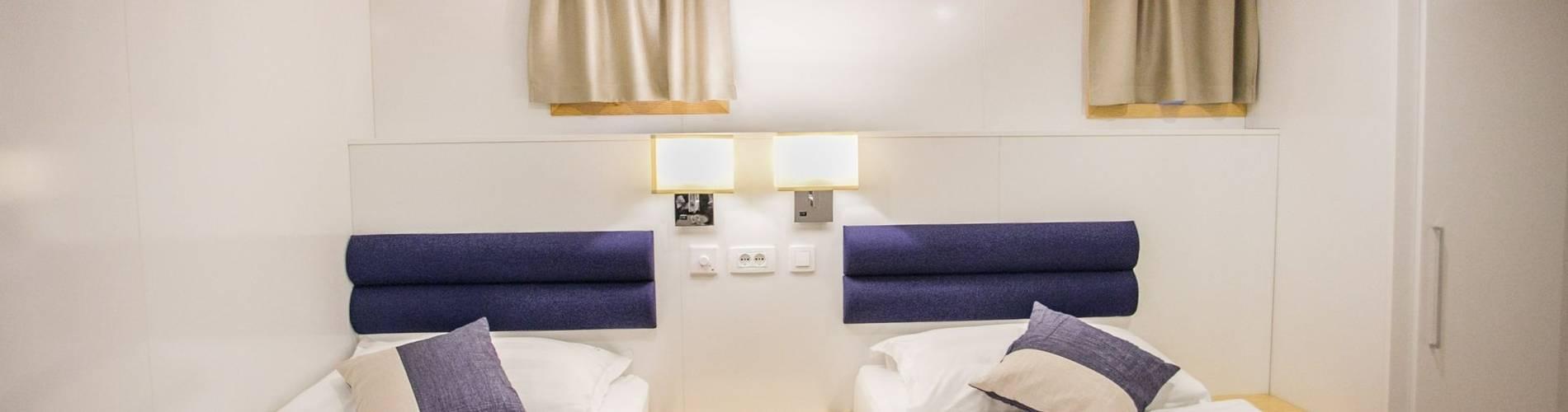 Cap. Bota cabins (11).jpg