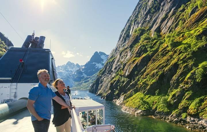 Inn-i-Trollfjorden-om-bord-MS-Richard-With-HGR-115994- Foto_Agurtxane_Concellon_JPG.JPG
