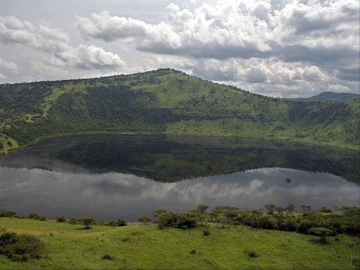 Crater Lakes (Peter Price)