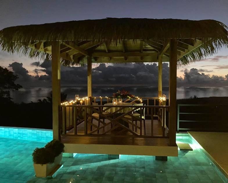 lapazul-retreat-pool-dining.jpg