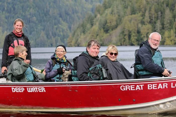 Clients of sea safari (Peter Dunn)