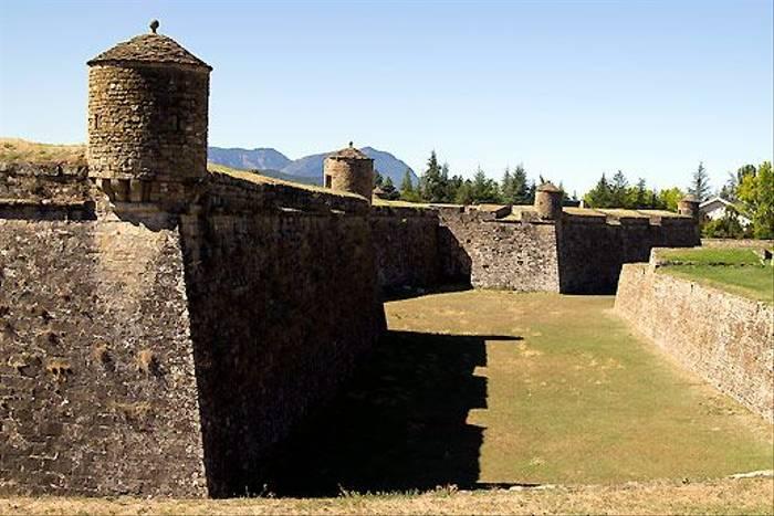 Jaca Castle (Colin Brown)