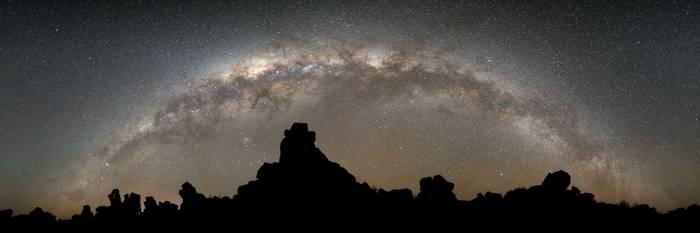 Milky Way Panorama, Giant'S Playground, Keetmanshoop © R Harvey