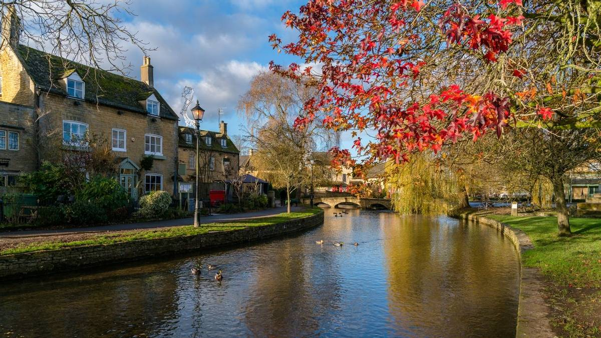 Cotswolds - Local Area - AdobeStock_184393260.jpeg