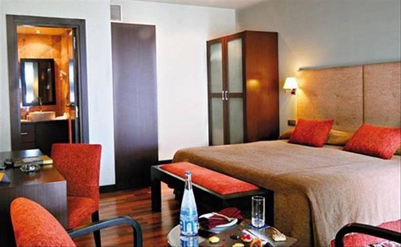 Morocco - Barcelo Casablanca - Bedroom - Agent.jpg