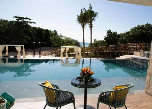Palmaïa-House-of-AïA-swim-out-room-3.jpg