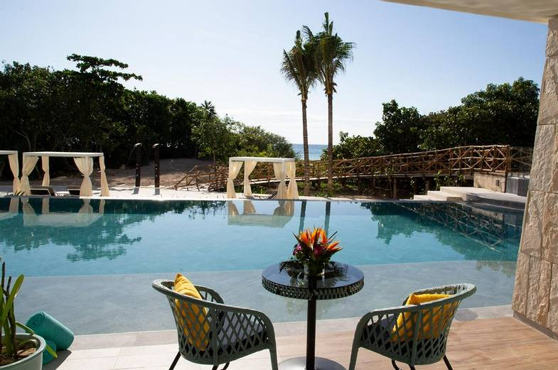 Palmaïa-House-of-AïA-swim-out-room-3.jpg