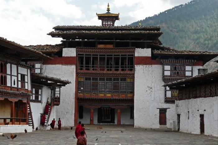 Courtyard of Tongsa Dzong (Rajan Jolly)
